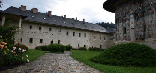 manastiri in bucovina,manastirea voroneti