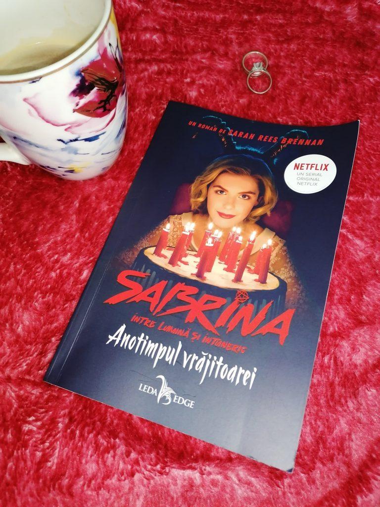 Sabrina intre lumina si intuneric, vol 1, anotimpul vrajitoarei