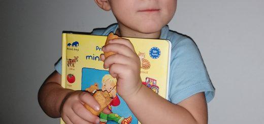 cum alegem cartile pentru copii mici