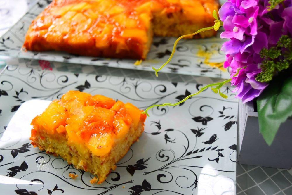 prăjitură răsturnată cu ananas și caramel