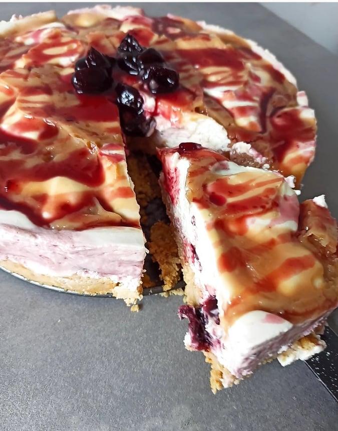 cheesecake cu brânză de vaci și caramel